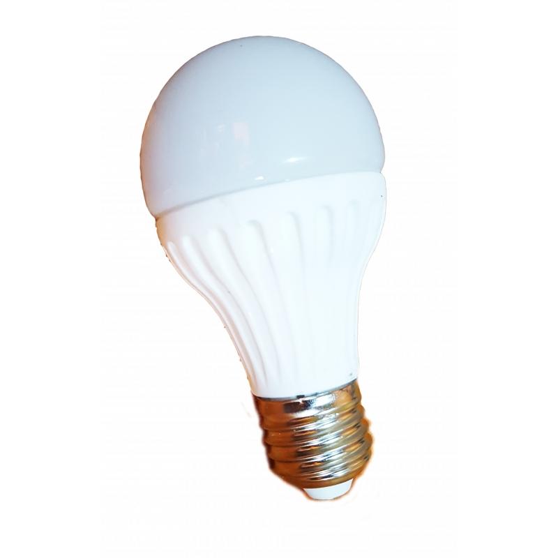 Lampadina a led luce fredda da 9 watt sviluppo 90w attacco for Lampadina lunga led